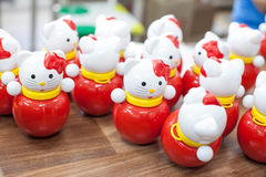 Brinquedos coloridos no children& x27; sala de jogos de s Foto de Stock