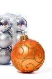 Brinquedos da esfera do Natal isolados no fundo branco Imagem de Stock