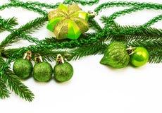 Brinquedos do Natal e de árvore do Natal ramo Imagens de Stock