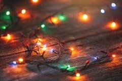 Brinquedos do Natal no fundo de madeira fotos de stock royalty free