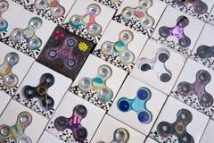 Brinquedos dos giradores em um marcado fotografia de stock