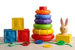 Brinquedos para o desenvolvimento de motor da criança Fotos de Stock