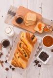 Brioche με τα τσιπ σοκολάτας Στοκ εικόνα με δικαίωμα ελεύθερης χρήσης