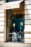 Brioni-Modespeicher Paris-Mannesmode stockbild