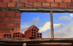 Brique et ciel Photo libre de droits