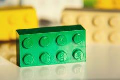 Briques colorées de Lego par Lego Group d'isolement sur le fond blanc Image libre de droits