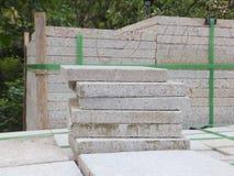 Briques de marbre, matériaux de construction, empilés ensemble photo stock