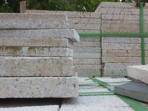 Briques de marbre, matériaux de construction, empilés ensemble photographie stock libre de droits