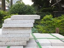 Briques de marbre, matériaux de construction, empilés ensemble images libres de droits