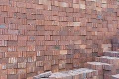Briques rouges brunâtres Images libres de droits
