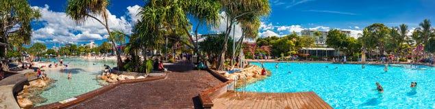 BRISBANE AUS - APRIL 17 2016: Gatastrand i den södra banken Parkl Fotografering för Bildbyråer