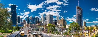 BRISBANE, AUS - AUG 26 2016: Panoramiczny widok Brisbane linia horyzontu Zdjęcia Royalty Free