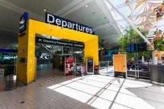 BRISBANE, AUS - 19 DÉCEMBRE 2015 : Porte de passagers de départ chez Brisba Photo stock