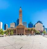 BRISBANE AUS - OKTOBER 21 2015: Sikt av stadshuset i Brisbane _ Royaltyfri Fotografi