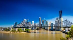 BRISBANE AUS - SEPTEMBER 9 2015: Panoramautsikt av Brisbane himmel Arkivbilder