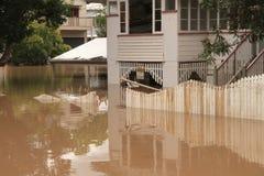 BRISBANE, AUSTRALIA - 13 DE ENERO: Inundación imágenes de archivo libres de regalías