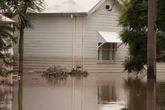 BRISBANE, AUSTRALIA - 13 DE ENERO: Inundación Imagen de archivo libre de regalías