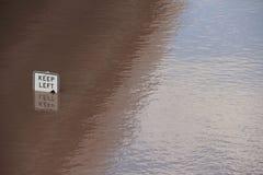 BRISBANE, AUSTRALIEN - 13. JANUAR: Flut Lizenzfreie Stockfotografie