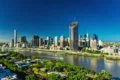 BRISBANE AUSTRALIEN - December 29 2016: Panorama- areal bild av Bris royaltyfria bilder