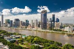 BRISBANE AUSTRALIEN - mars 24 2018: Areal bild av Brisbane CBD arkivfoto