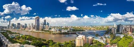 BRISBANE AUSTRALIEN - mars 24 2018: Panorama- areal bild av Br Royaltyfria Bilder