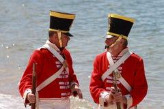 BRISBANE AUSTRALIEN - SEPTEMBER 16: Oidentifierade män i soldatbeträffande-lag kostymerar malning som delen av Redcliffen första S Royaltyfri Foto