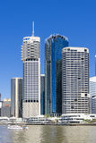 Brisbane CBD in der Tageszeit stockbilder