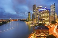 Brisbane city at night. With the Bisbane river in view Royalty Free Stock Images