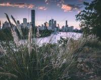 Brisbane en verde imagenes de archivo