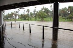 Brisbane-Fluss-Überschwemmung-Frühstück-Nebenfluss-Kai Stockbild