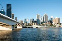 Brisbane-Fluss-Stadt Scape lizenzfreie stockfotos