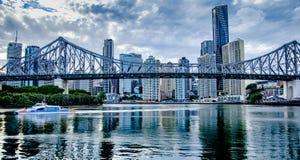 Brisbane-Geschichten-Brücke lizenzfreie stockfotos