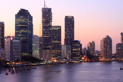 Brisbane no por do sol Imagem de Stock Royalty Free