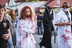 Brisbane, Queensland, Australie - 5 octobre 2014 : Promenade annuelle de zombi de base de cerveau le 5 octobre 2014 dans le West  photographie stock