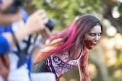Brisbane, Queensland, Australie - 5 octobre 2014 : Promenade annuelle de zombi de base de cerveau le 5 octobre 2014 dans le West  image libre de droits