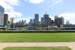 Brisbane, South Bank, Australia cityscape on sunny bright day. 9. november 2011 Royalty Free Stock Images