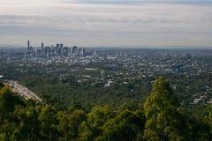 Brisbane stad från Mt Sothöna-tha Arkivfoto