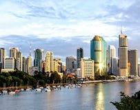 Brisbane-Stadt auf Fluss Stockfoto
