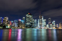 Brisbane-Stadtnachtskyline Lizenzfreie Stockfotos