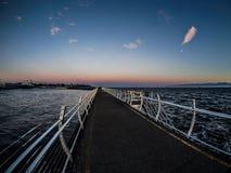 Brise-lames chez Ogden Point dans Victoria, AVANT JÉSUS CHRIST, Canada ; Ti de coucher du soleil Photographie stock