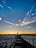 Brise-lames chez Ogden Point dans Victoria, AVANT JÉSUS CHRIST, Canada ; Ti de coucher du soleil Images libres de droits