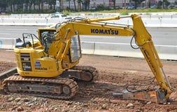 Briseur ou sélection concret sur l'excavatrice utilisée pour la démolition concrète photographie stock libre de droits