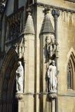 Bristol Cathedral Porch Statues Royaltyfria Bilder