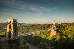 Bristol, Clifton Suspension Bridge och ballong Fiest Royaltyfri Bild