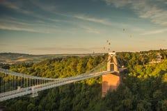 Bristol, Clifton Suspension Bridge och ballong Fiest Fotografering för Bildbyråer