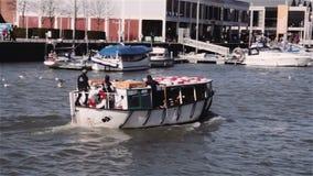 Bristol Ferry, der zur Wasserscheide vorangeht Stockfotos