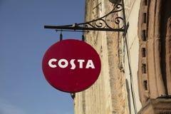 Bristol, Großbritannien am 23. Februar 2019 Geschäfts-Zeichen für Costa Coffee Cafe stockbild