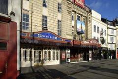 Bristol Hippodrome & pianostång arkivbilder