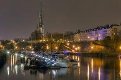 Bristol-sich hin- und herbewegender Hafen, mit Str. Mary Redcliffe Lizenzfreie Stockfotografie