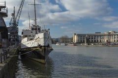Bristol, Zjednoczone Królestwo, Luty 23rd 2019, MV Balmoral statek przy M Zrzuca muzeum przy Wapping nabrzeżem zdjęcia stock